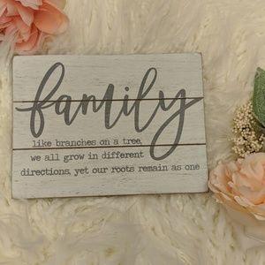 Family Wooden Decor